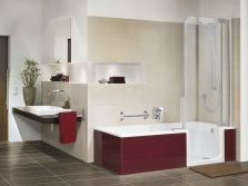 Бежевая ванная и бордовая ванна
