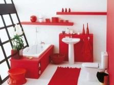 Красная мебель и сантехника в ванной