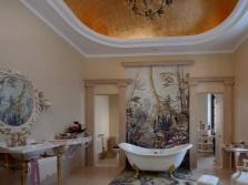 Светло-оранжевая ванная комната