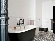 Укладка плитки для визуального расширения ванной