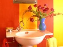 Живые цветы в ванной