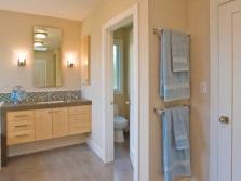 Освещение ванной комнаты с раздельным туалетом