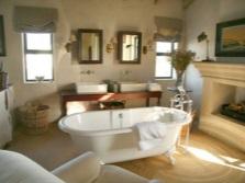 Комфорт ванной комнаты заключенный в текстиле