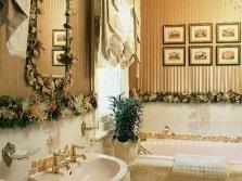 Цветы в ванной для придания уюта