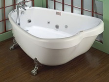 Необычная ванна на лапах с гидромассажем