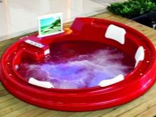 Красный мини бассейн с гидромассажем и подсветкой