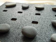 Напольный резиновый коврик с отверстиями