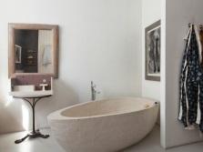 Интересная форма ванны для стиля минимализм