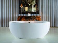 Красивая немецкая ванна от Knief