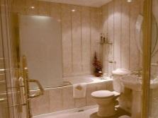 Красивые пластиковые панели в ванной комнате