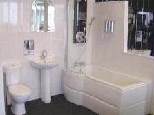 Пластиковые панели для облицовки стен ванной комнаты