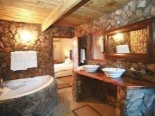 Ванная комната оформленная в эко-стиле