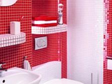 Полочки для аксессуаров в небольшой ванной комнате