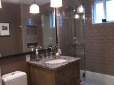 Визуальное расширение ванной при помощи зеркал