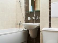 Зрительное вытягивание стен маленькой ванны