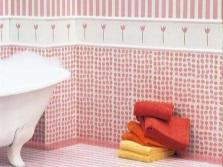 Кафельная плитка с декором в ванной