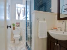 Маленькая функциональная ванная комната