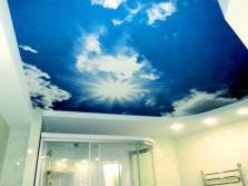 Ванная комната с необычным потолком