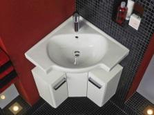 Угловая раковина для небольшой ванной