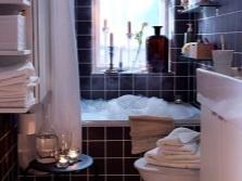 Аксессуары в интерьере небольшой ванной