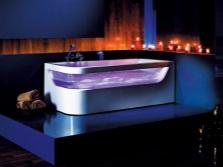 Ванна со стеклянной вставкой от бренда