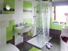 Ванная - салатовый, белый и фиолетовый