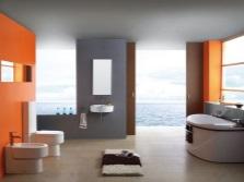 Ванная комната - белый, серый и оранжевый