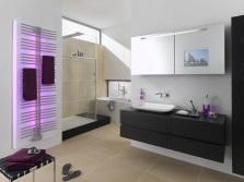 Бело-серая ванная комната и светодиодная панель