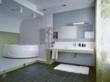 Серая ванная с зеленым и белым