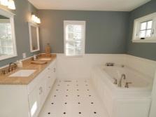 Бело-серая ванная