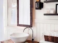 Деревянные столики с одной раковиной в ванную