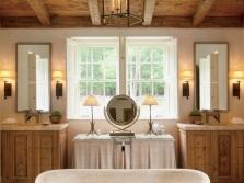 Свет в ванной в стиле кантри