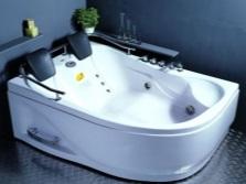 Ванна для двоих с гидромассажем