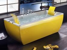 Желтая дизайнерская ванна