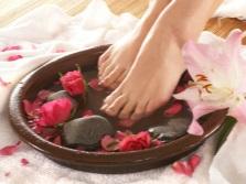 Ванна с эфирными маслами для ног
