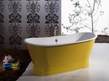 Желтая чугунная ванна
