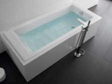 Прямоугольная чугунная ванна Roca