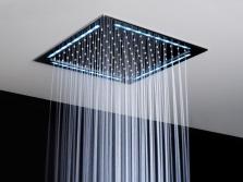 Красивый верхний душ