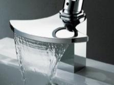 Необычный водопадный смеситель