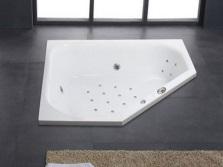 Ванна необычной формы встроенная в пол