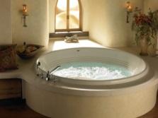 Встраиваемая ванна круглой формы