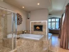 Встраиваемая ванна с высоким подиумом