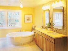 Желтая ванная с золотом
