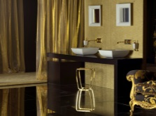 Синяя ванная с золотом