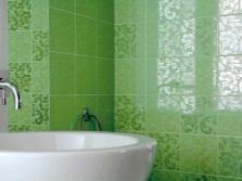 Глянцевый кафель в ванной комнате