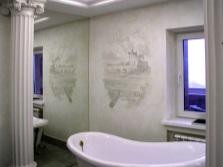 Декоративное панно на штукатурке в ванной комнате
