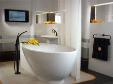 Отдельно стоящая акриловая ванна