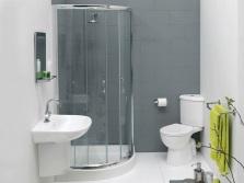Экономичная ванная с душевой кабиной