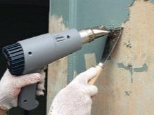 Очистка стен ванной от краски