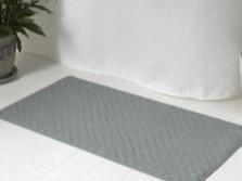 Резиновые коврики для бюджетной ванной
